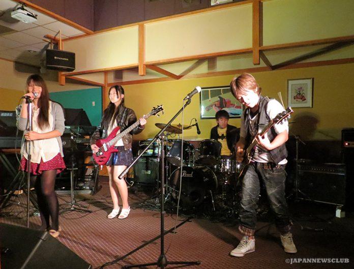 <!--:en-->Live Report: Sanpei Fall Live<!--:--><!--:ja-->ライブレポート:三平ライブ秋の陣 ライブにいかニャー!<!--:--> 2