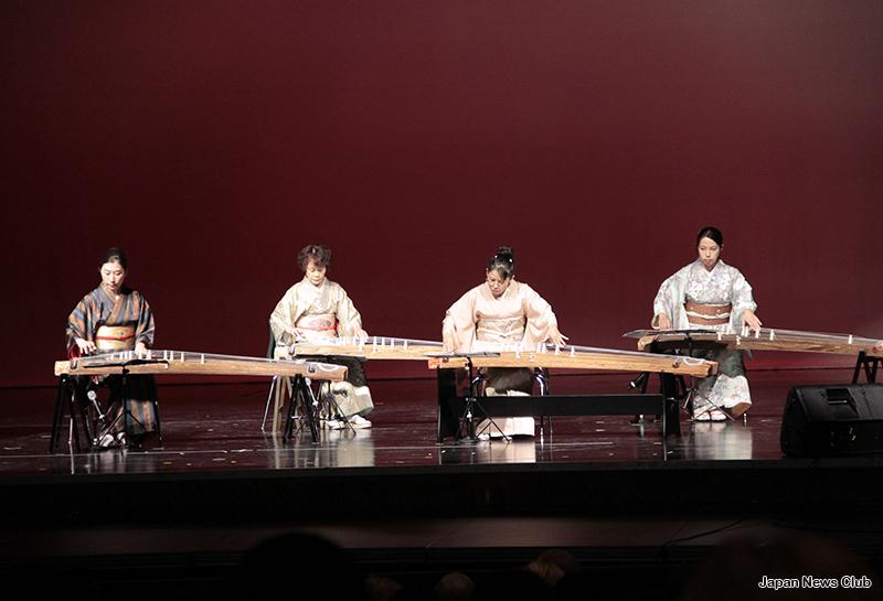 JBSD Women's Club and JBSD presents 2013 Japan FestivalJSDウィメンズクラブ・JBSD文化部会共催 2013年度 日本まつり開催 3