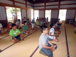 禅寺での座禅体験
