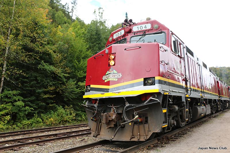 紅葉狩りに ~カナダのアガワ渓谷へ列車の旅 2