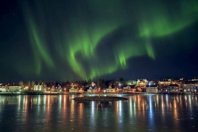 アイスランドで オーロラ鑑賞 2