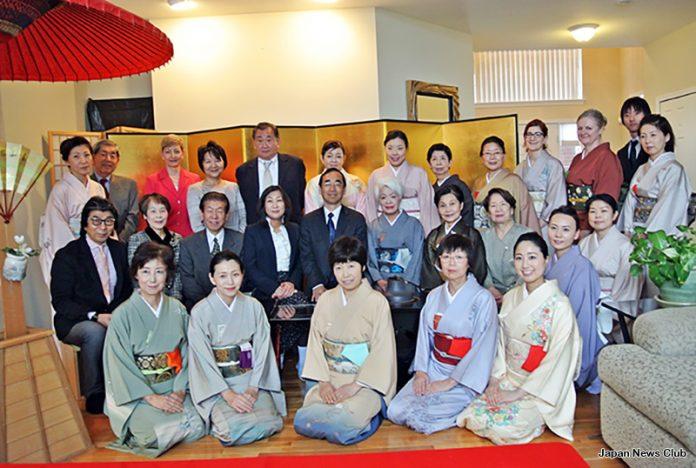 アメリカで日本伝統の季節の催し 新春を祝う初釜 2