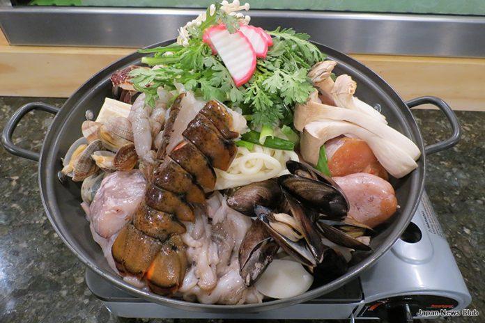 寒い冬です 鍋が格別に美味しい季節です! ~ レストランの鍋メニュー 1