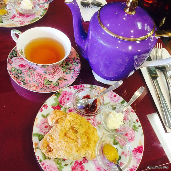 午後のお茶会 3